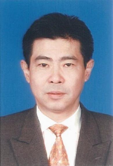 何肖钧律师信息_何肖钧律师个人案例 - 律师百科网